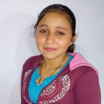 Lubia is in the 7th grade and lives with her mom and her brothers. Her dream is to become a nurse.